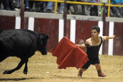 Siete municipios españoles han vetado en los últimos años los espectáculos de personas con acondroplasia. AFP