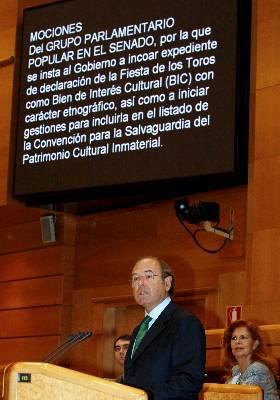 El portavoz del PP en el Senado, Pío García-Escudero, en su exposición sobre los toros. Efe