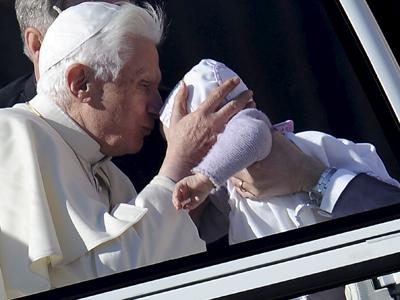 Una asociación presenta una denuncia contra el Papa acusándole de encubrir 'actos de pederastía'.