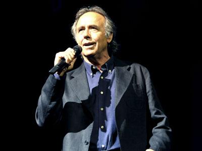 El cantante actuó en el Teatro de la Zarzuela ayer.EFE