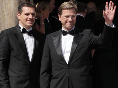 Guido Westerwelle y Michael Mronz han formalizado su unión en una ceremonia civil.