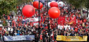 Multitudinaria marcha en Londres contra los recortes