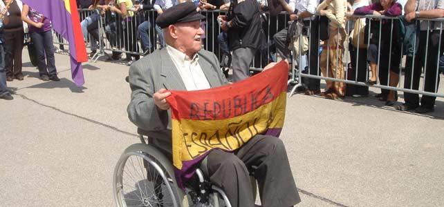 Francisco Ortiz en desfile conmemorativo